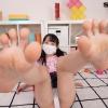 【VR】足裏フェチは臨場感が最高で自分の鼻元まで女子の足裏が届くよう